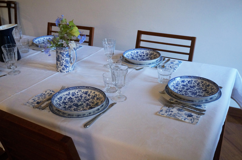 Decorare colazione in bianco e blu a casa di bianca for Tavola per cucina