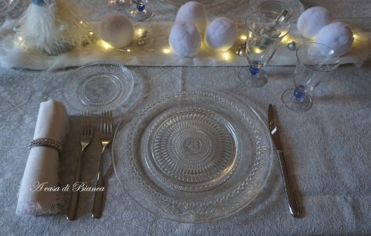 a casa di Bianca, frozen, frozen tablescape, homedecor, sambonet, tablesetting