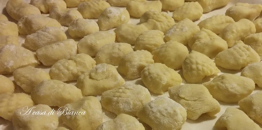 gnocchi di patate, gnocchi di carnevale, a casa di bianca
