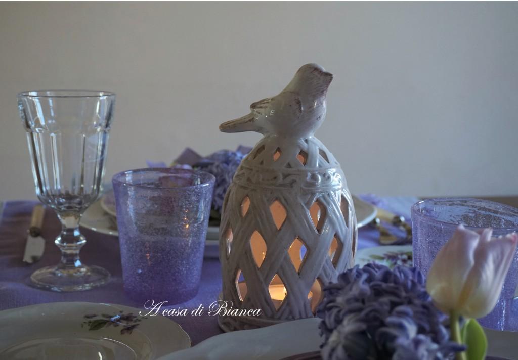 tavola romantica, tavola in lilla, tavola primaverile, a casa di Bianca