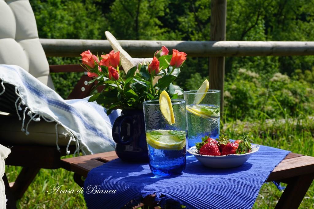 Alfresco strawberry tea