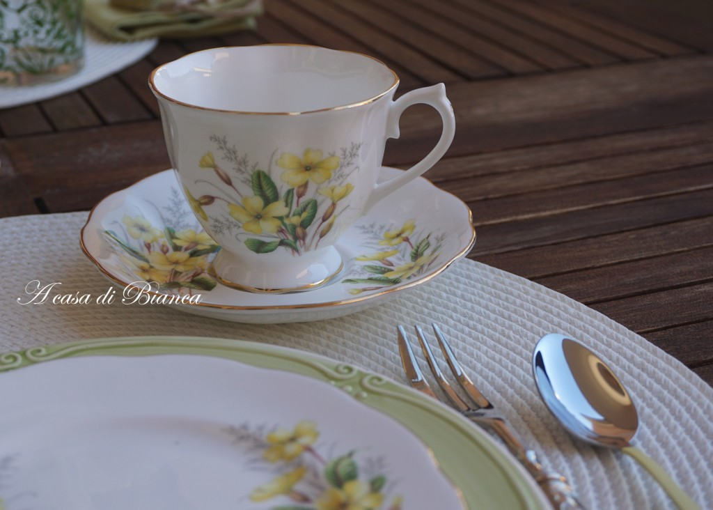 Primroses vintage teacup