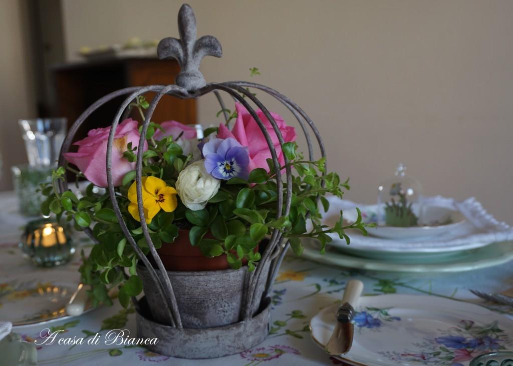 spring tablescape a casa di bianca centerpiece