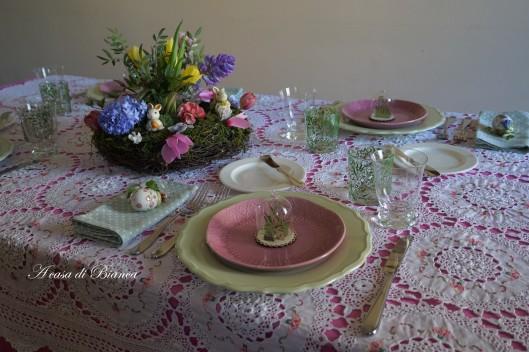 Tavola di Pasqua floreale a casa di Bianca