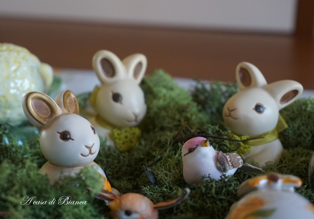 Centrotavola pasquale coniglietti thun a casa di Bianca
