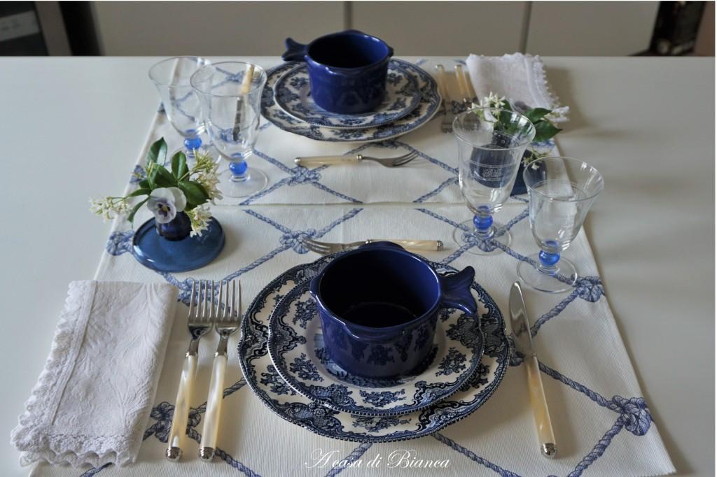 Tablescape in blue and white a casa di Bianca