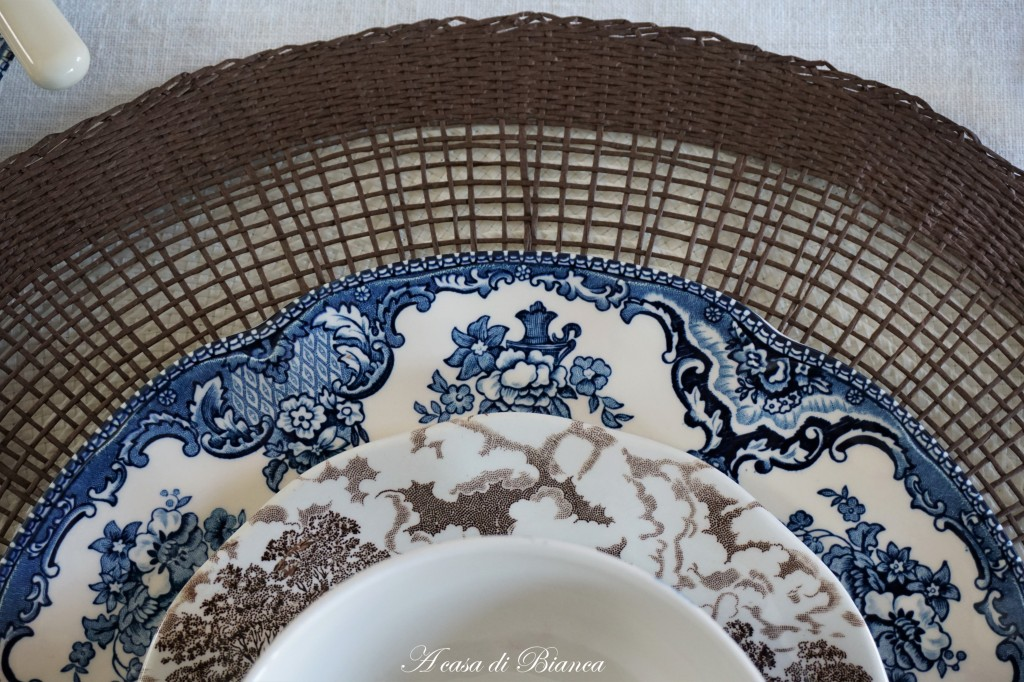 English transferware blu e marron a casa di Bianca