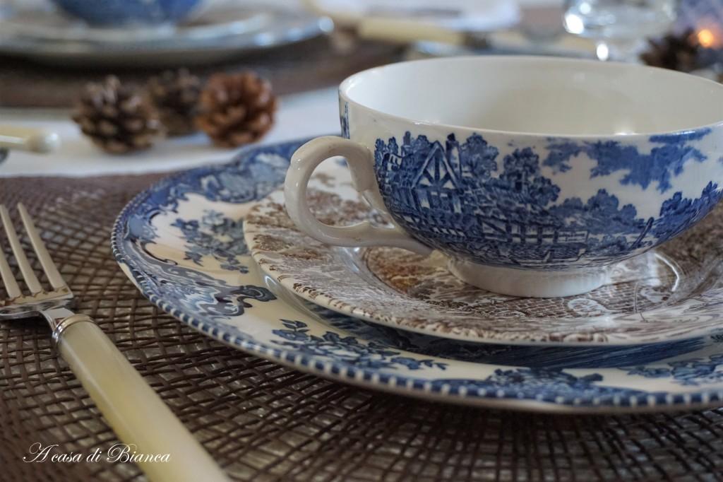 Tavola d'autunno in blu a casa di Bianca