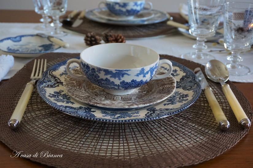 English transferware blu e marron a casa di Bianca