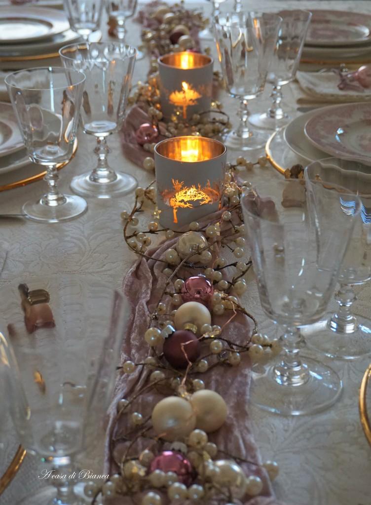 Pink romantic Christmas centerpiece a casa di Bianca