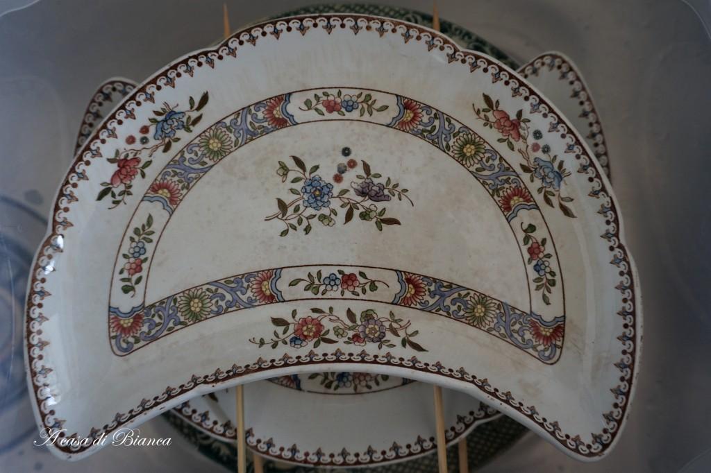 Pulizia transferware antico a casa di Bianca