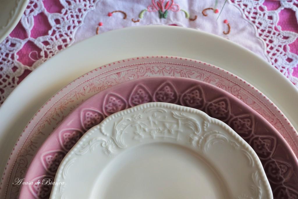 Tavola di Pasqua in rosa a casa di Bianca