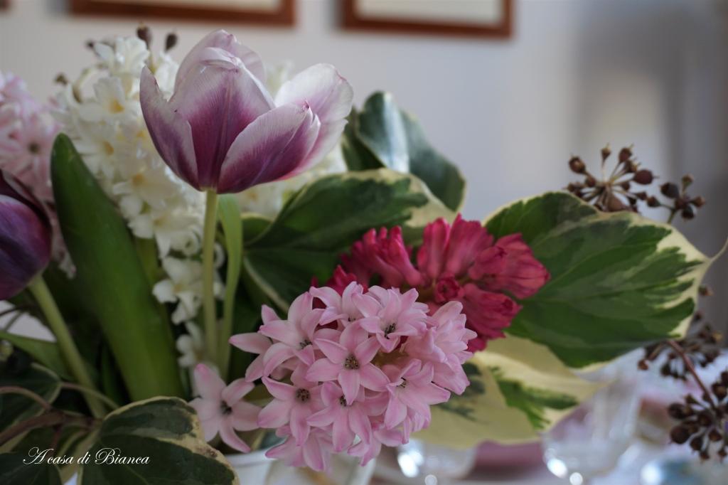 Tavola di primavera vintage a casa di Bianca