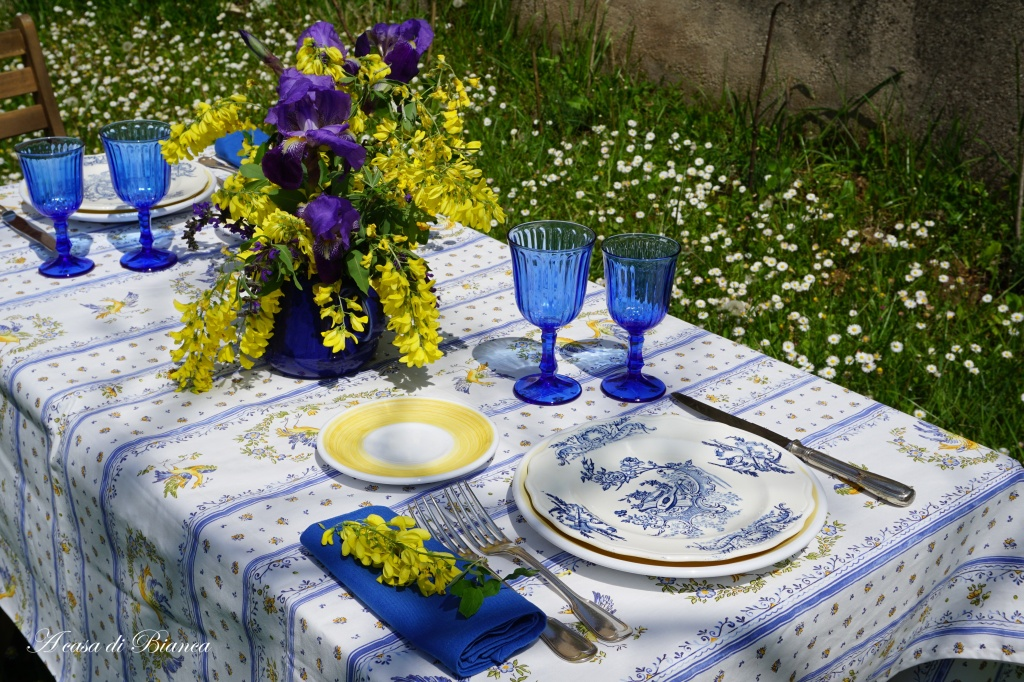 Summertime alfresco tablescape a casa di Bianca