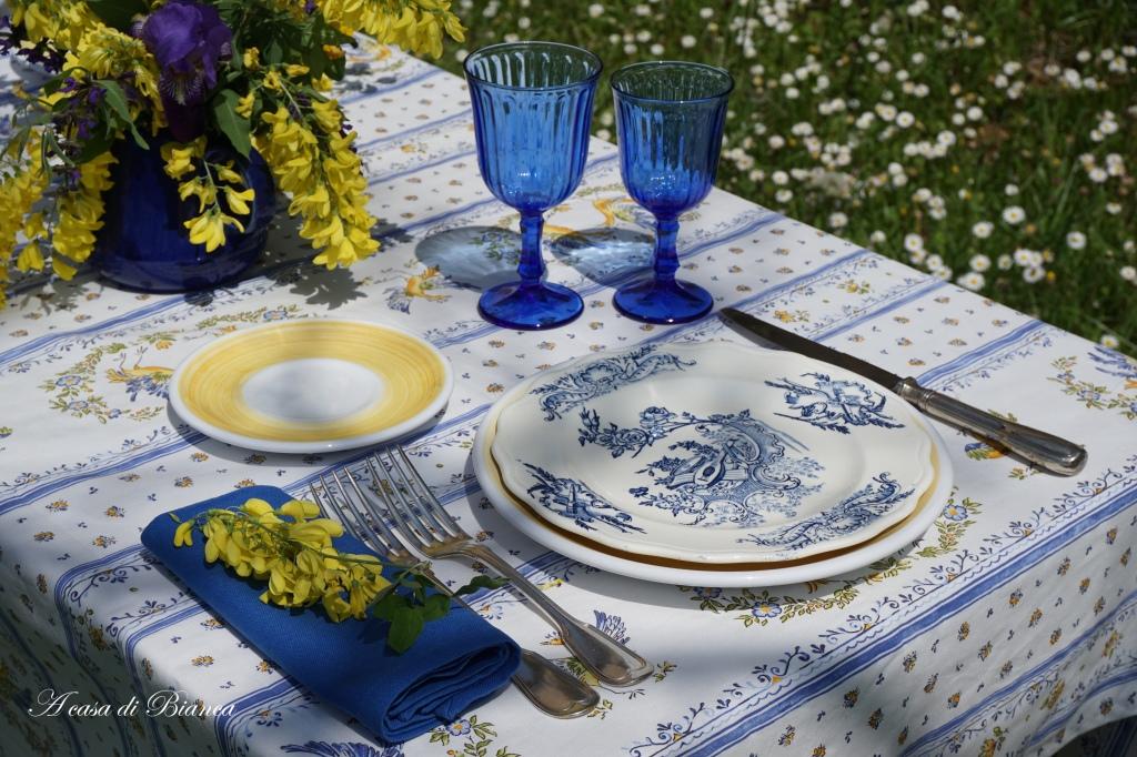 Summertime Provence alfresco tablescape a casa di Bianca