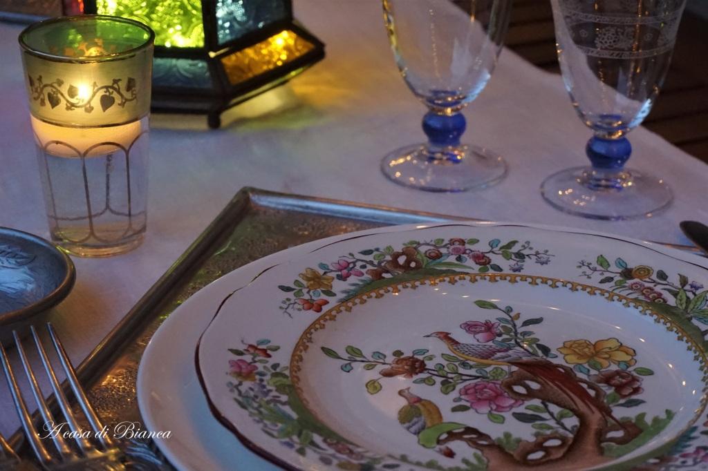 Piatti Spode antichi per tavola orientale a casa di Bianca
