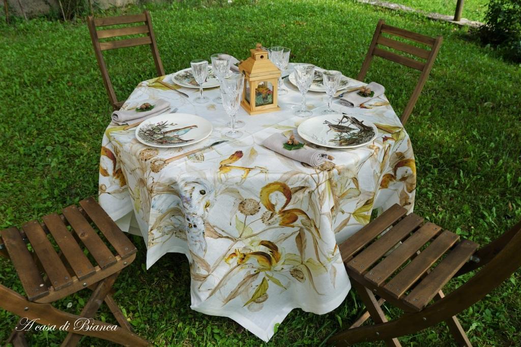 Come apparecchiare una tavola autunnale in giardino
